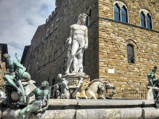 Piazza della Signoria : Fonte de Netuno