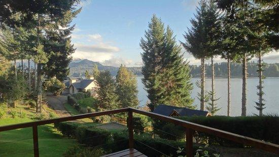 Apart Hotel Cabanas Lago Moreno: Vista desde el deck