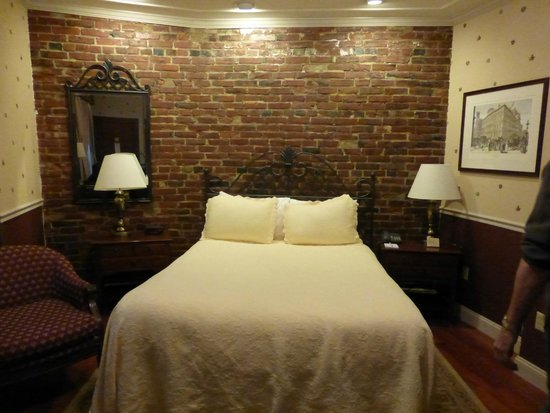 Penn's View Hotel: Habitación interior
