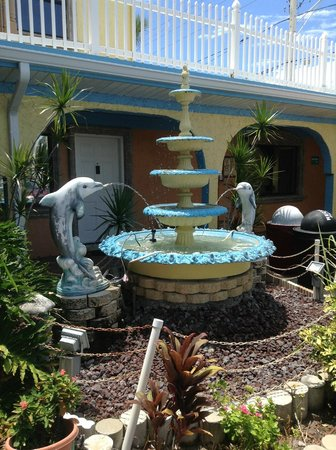Bay Palms Waterfront Resort - Hotel and Marina: Fountain
