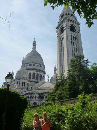 Sight Seeker's Delight Unique Walking Tours : Sacré Cœur of course!