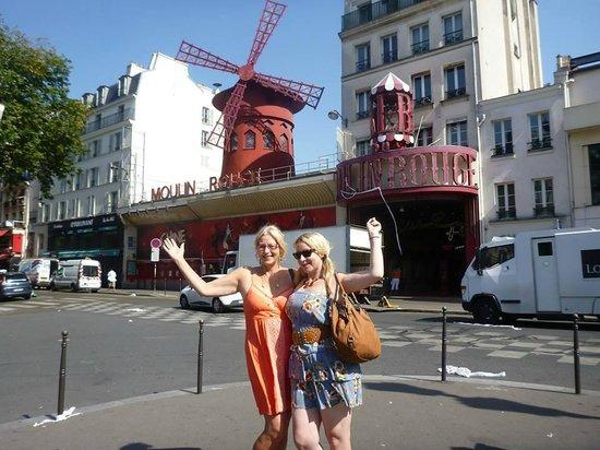 Sight Seeker's Delight Unique Walking Tours : The Moulin Rouge!