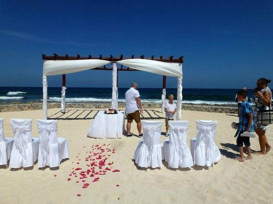Location of the Wedding - Picture of Bahia Principe Luxury Akumal ...