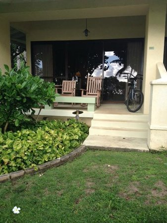 Turtle Bay Resort: Cottage 125 lanai, complete with our tandem bike.