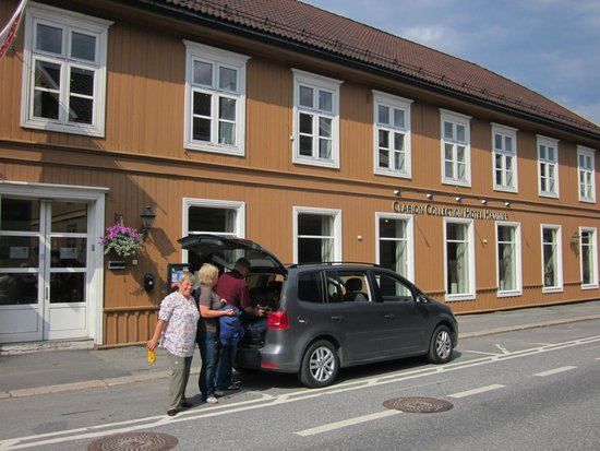 Clarion Collection Hotel Hammer: Parkmöglichkeit vor dem Hotel