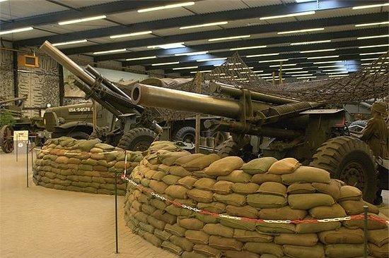 Overloon War Museum: tanks and guns