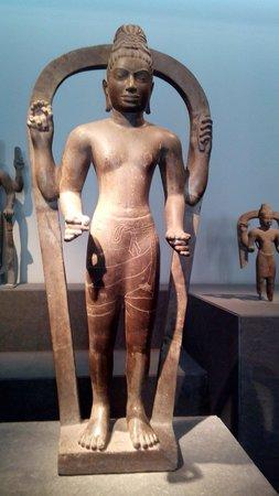 Museo de Historia de Vietnam: Superbe statue Cham