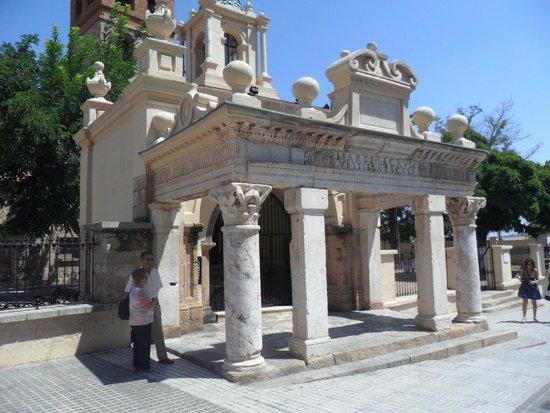 Basílica de Santa Eulalia: Vista del templete.