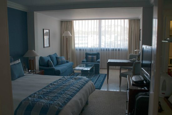 InterContinental Athenaeum: Our 8th floor room
