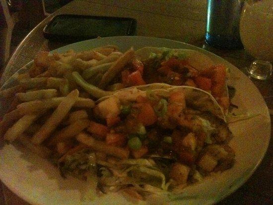 Coconut Joe's Beach Bar & Grill: Fish tacos at Coconut Joe's