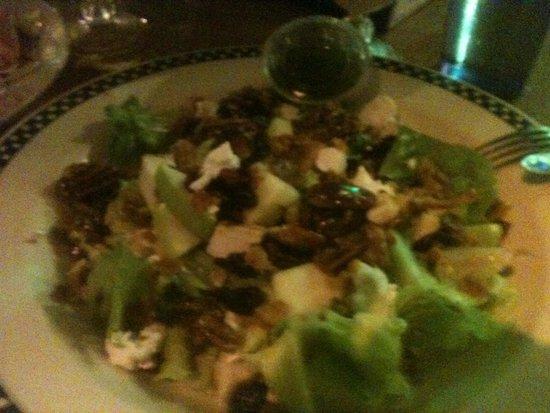 Coconut Joe's Beach Bar & Grill: West Bay Salad at Coconut Joe's