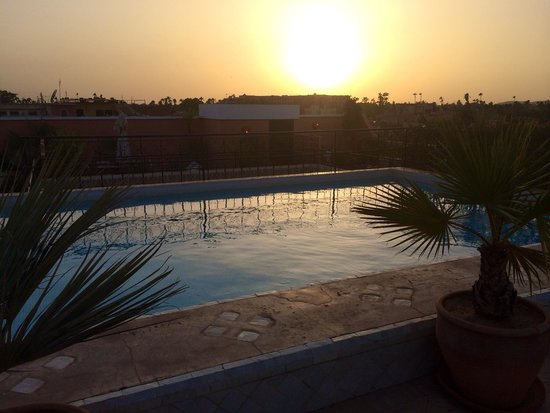 La Villa des Orangers - Hôtel: Terrace pool sunset