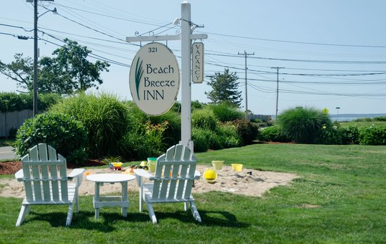 Beach Breeze Inn: You have arrived!