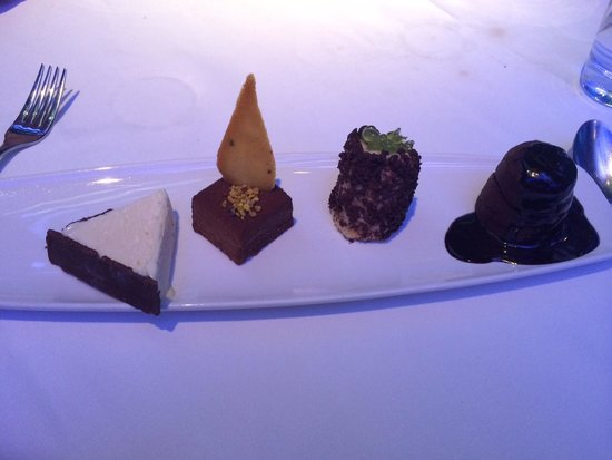 Oxo Tower Restaurant, Bar and Brasserie: Chocolate dessert, they are all yum.