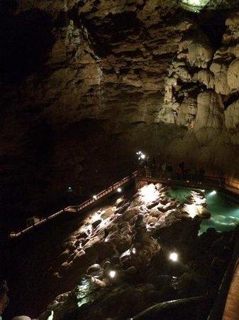 Gouffre de Padirac : inside the caves