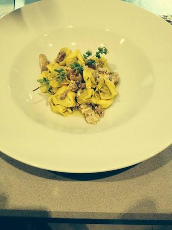 Ristorante TaTu - Tasting Tuscany: tortellini al ragù di cortile