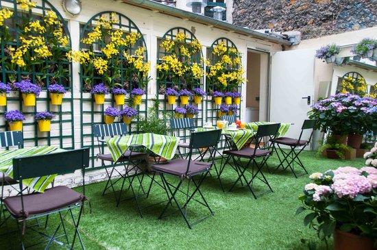 Eden Hotel Montmartre: breakfast
