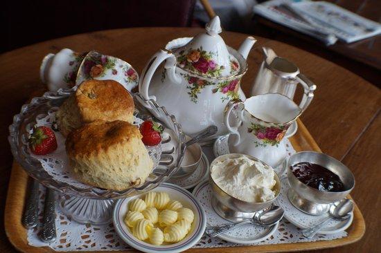 Walpole Bay Hotel: The delicious cream tea