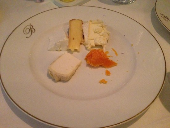 Epicure: Cheese plat (sheep and cow)