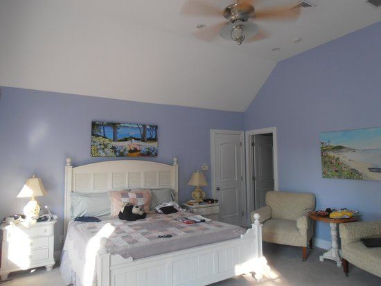 Falmouth Heights Motor Lodge: Beach house bedroom