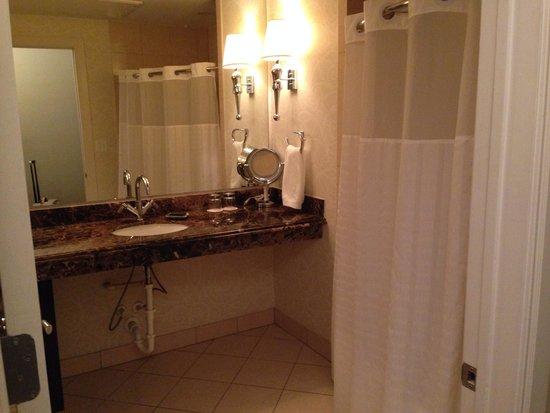 Hotel ZaZa Dallas: Bathroom