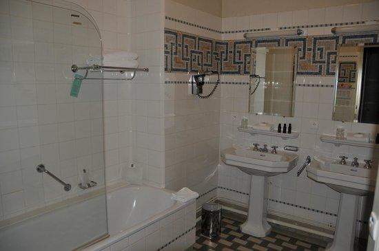 Club Med Vittel Ermitage : Salle de bains
