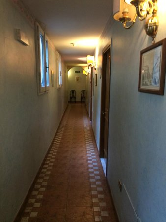 Hotel Alinari: Corridoio
