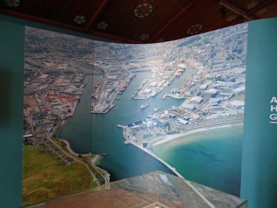 Aberdeen Maritime Museum: Giant photo of Aberdeen harbour