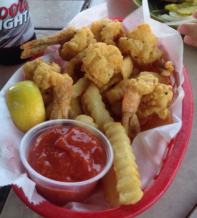 Beach Lodge Restaurant: Fried Shrimp Basket