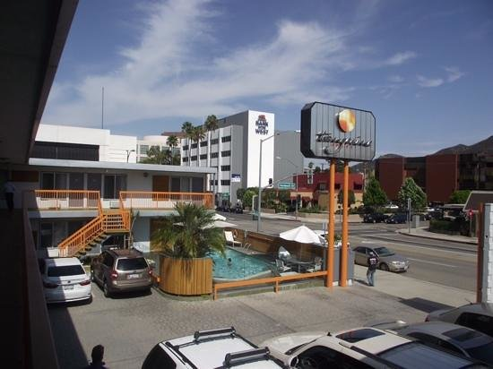 The Tangerine: Great location for Universal Studios.