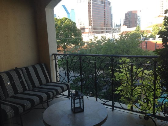 Hotel ZaZa Dallas : Patio in room
