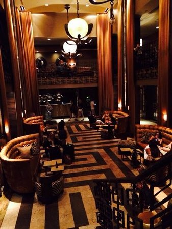 Empire Hotel : le hall de l hotel , magnifique