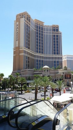The Palazzo Resort Hotel Casino: Walking back from the Fashion Show Mall