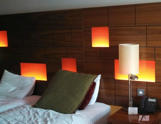 Clontarf Castle Hotel: Our room