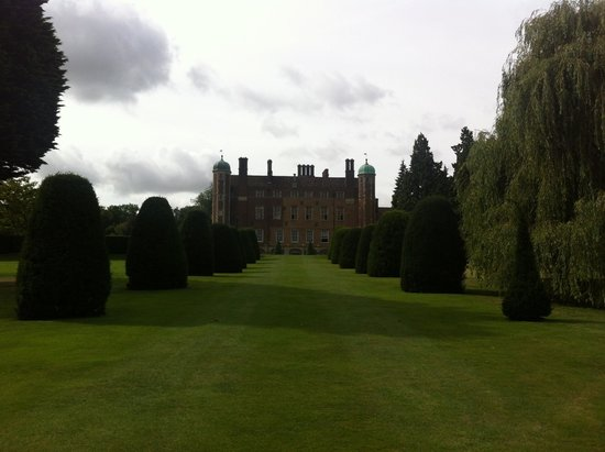 Madingley Hall : Surrounded by lovely grounds.