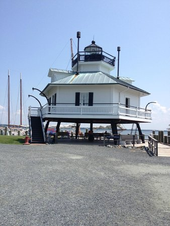 Chesapeake Bay Maritime Museum: Lighthouse - a must see & climb to the top to take pictures!!