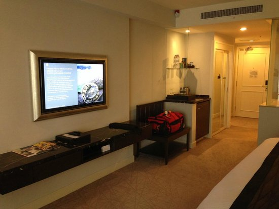 InterContinental Kuala Lumpur: Large screen TV