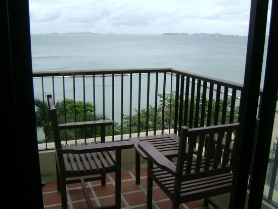 Garden Cliff Resort and Spa: Balcony