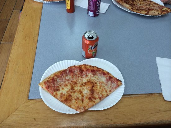 Captains Pizza 200 2 Slices Cheese And Can Soda For 599