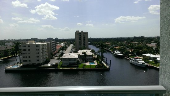 Residence Inn Fort Lauderdale Intracoastal/Il Lugano: Photo from my balcony.