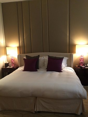 Corinthia Hotel London: Bed