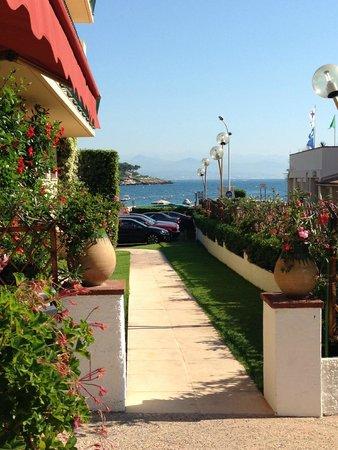 Hôtel du Levant : Breakfast view