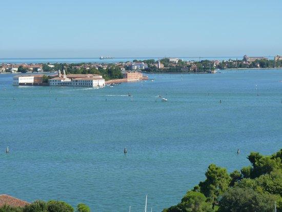San Giorgio Maggiore : View to Lido