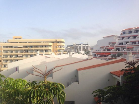 Hotel Villa de Adeje Beach: View from our balcony - 5th floor room