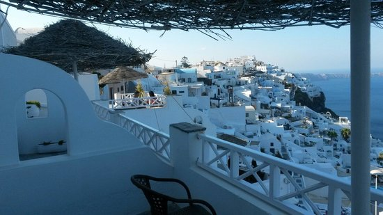 Nomikos Villas: Vista della camera
