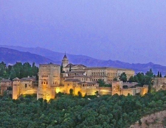 Mirador de San Nicolas: Alhambra am Abend