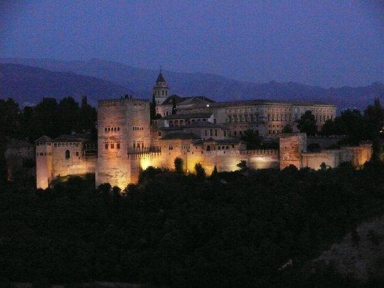 Mirador de San Nicolas: Bei Nacht