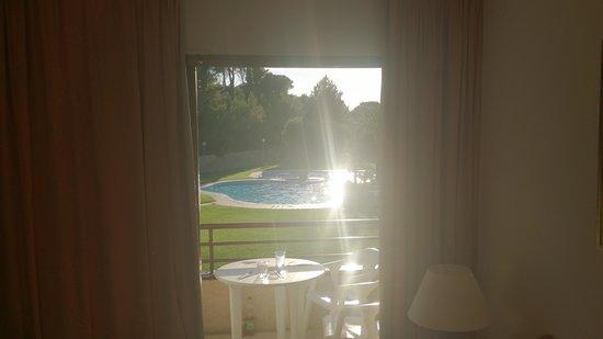 Aparthotel Golf Beach : Poolen sent eftermiddag