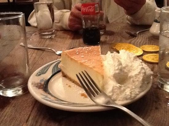 Peter Luger Steak House : cheesecake
