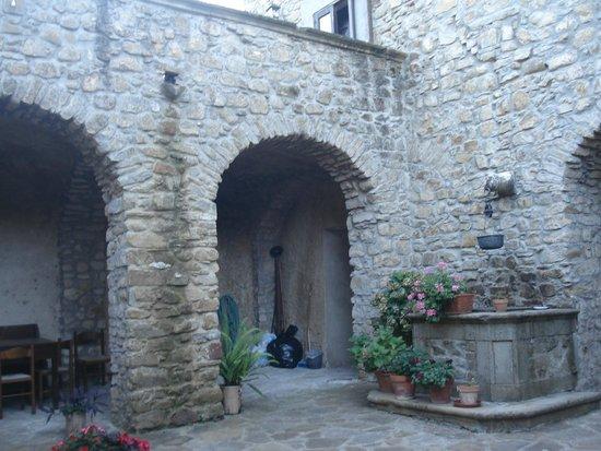 B&B Palazzo Vassallo: cortile